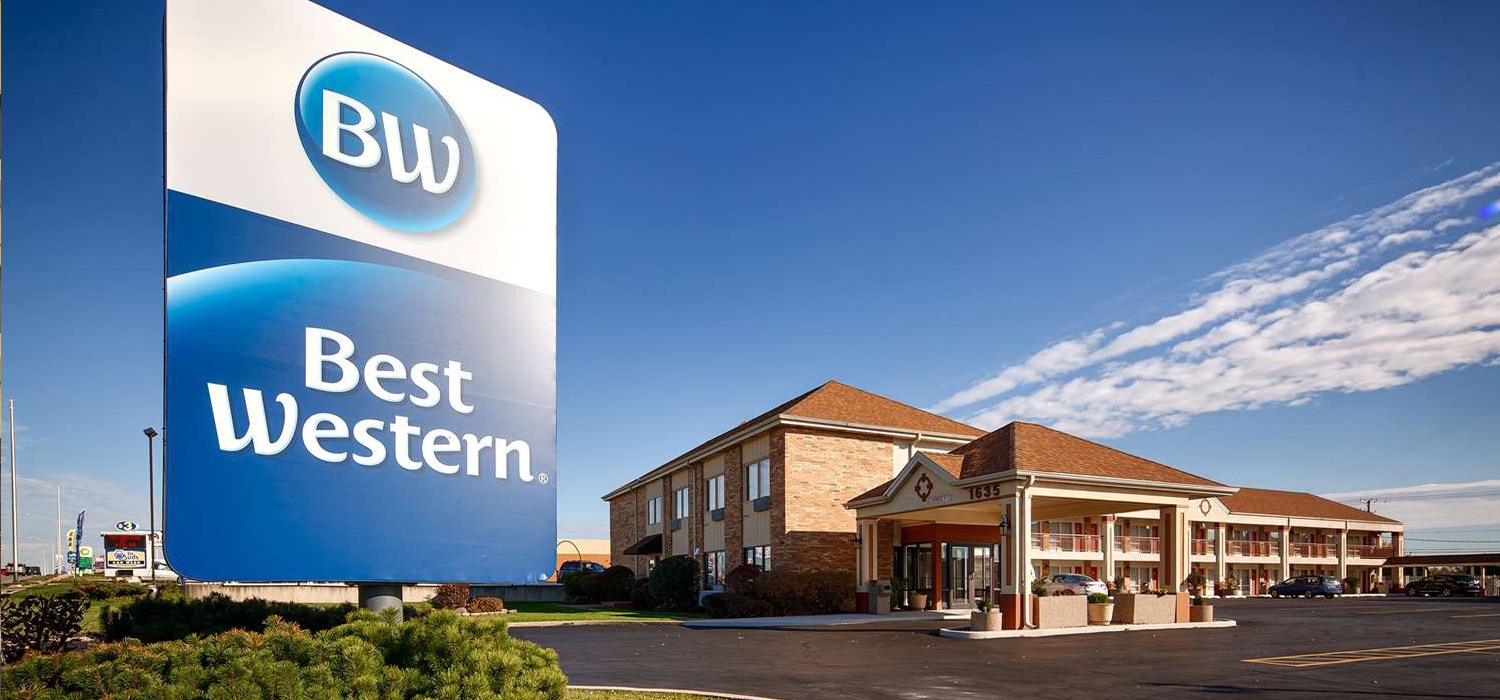 Hotel Exterior: Best Western Inn Hotel Saint Charles IL, St Charles IL Hotel